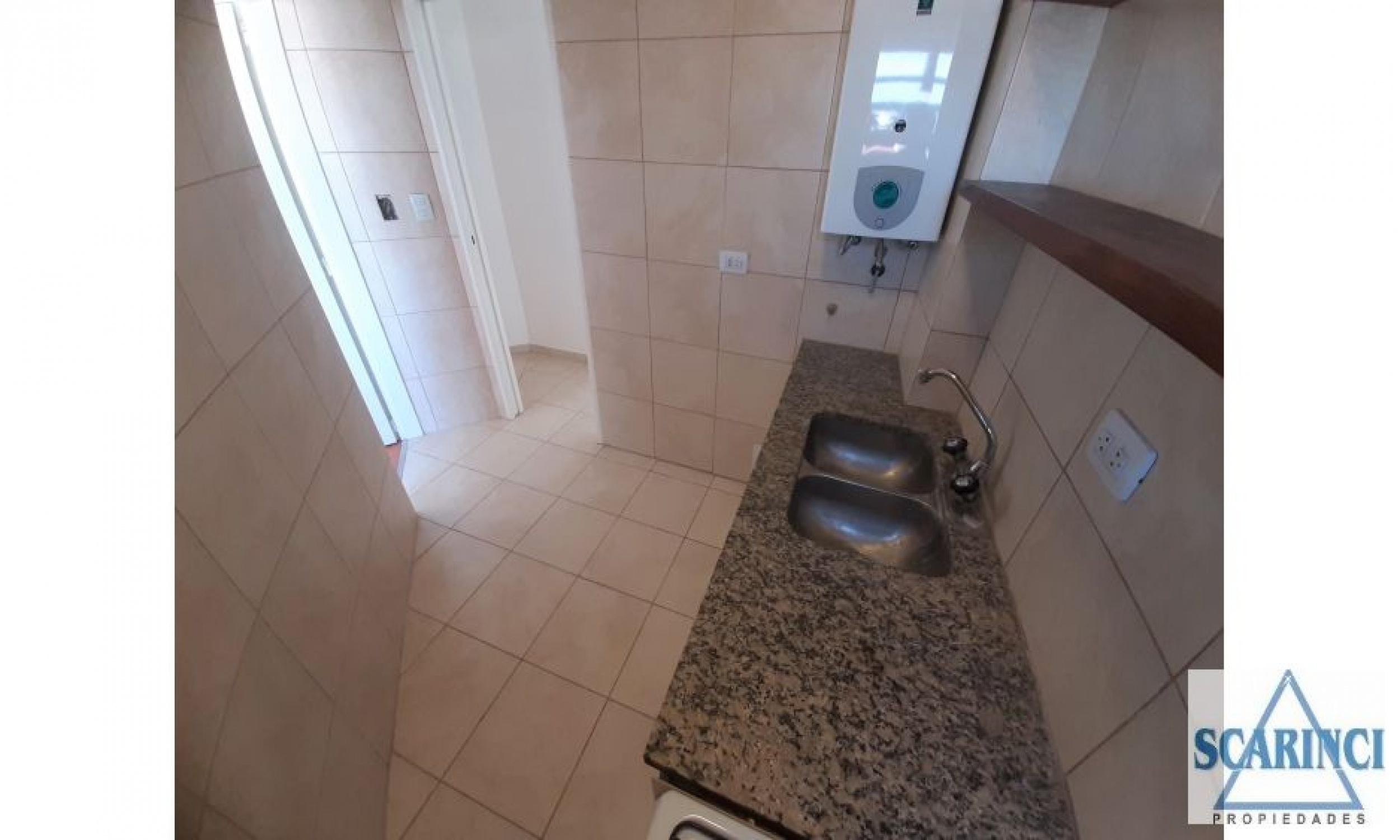 Carbone 4000, Santos Lugares, Buenos Aires, Argentina, 3 Habitaciones Habitaciones, 2 Habitaciones Habitaciones,1 BañoBathrooms,Departamento,Venta,Carbone,1945