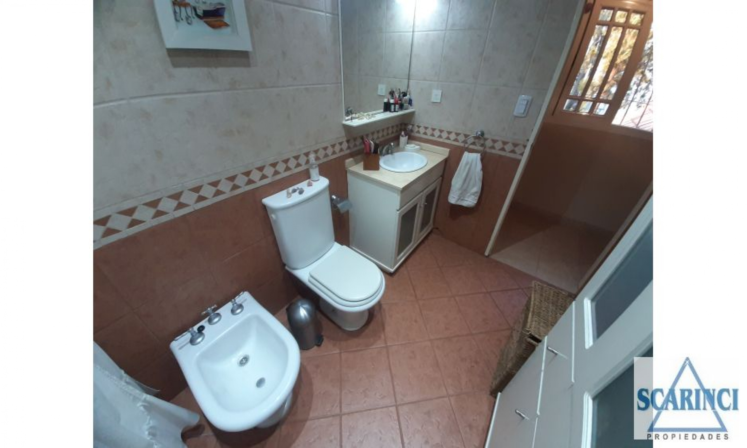 Av La Plata 4000, Santos Lugares, Buenos Aires, Argentina, 4 Habitaciones Habitaciones, 3 Habitaciones Habitaciones,2 BathroomsBathrooms,PH,Venta,Av La Plata,1946