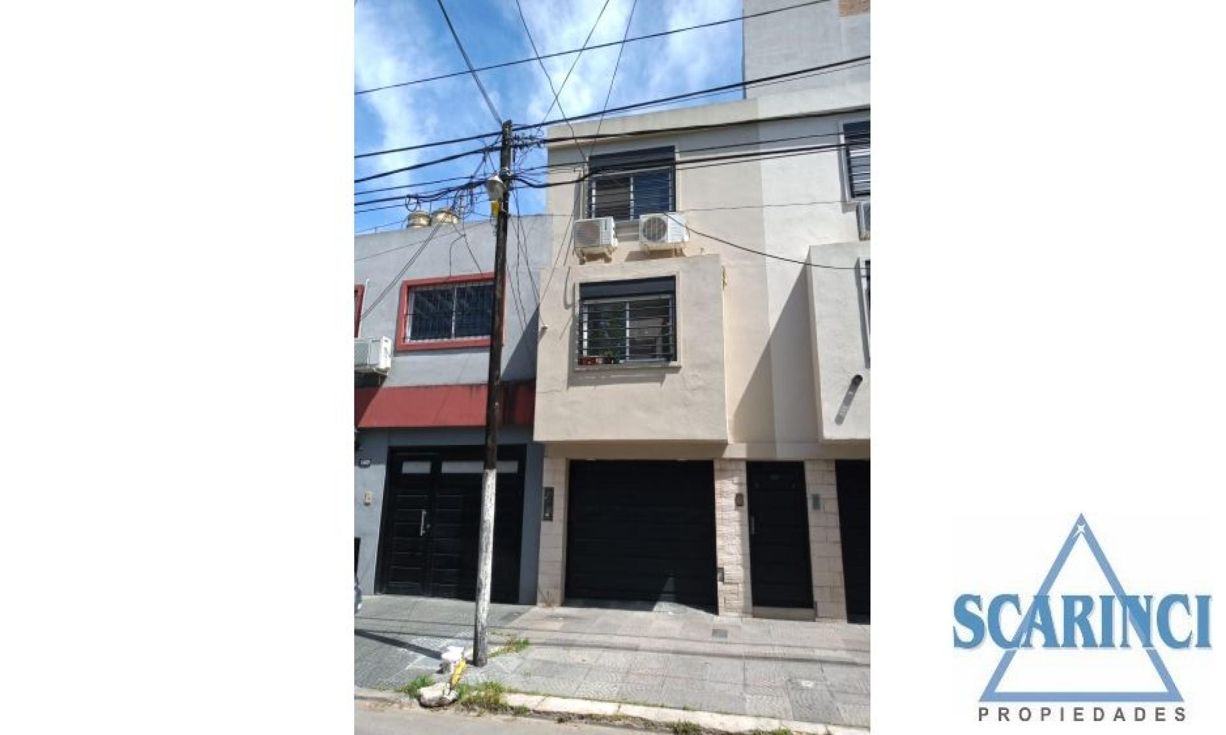 Lage 1300, Santos Lugares, Buenos Aires, Argentina, 3 Habitaciones Habitaciones, 2 Habitaciones Habitaciones,1 BañoBathrooms,PH,Venta,Lage,1786