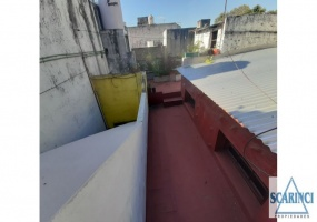 Pozos 800, Villa Lynch, Buenos Aires, Argentina, 5 Habitaciones Habitaciones, 4 Habitaciones Habitaciones,2 BathroomsBathrooms,Casa,Venta,Pozos,1887